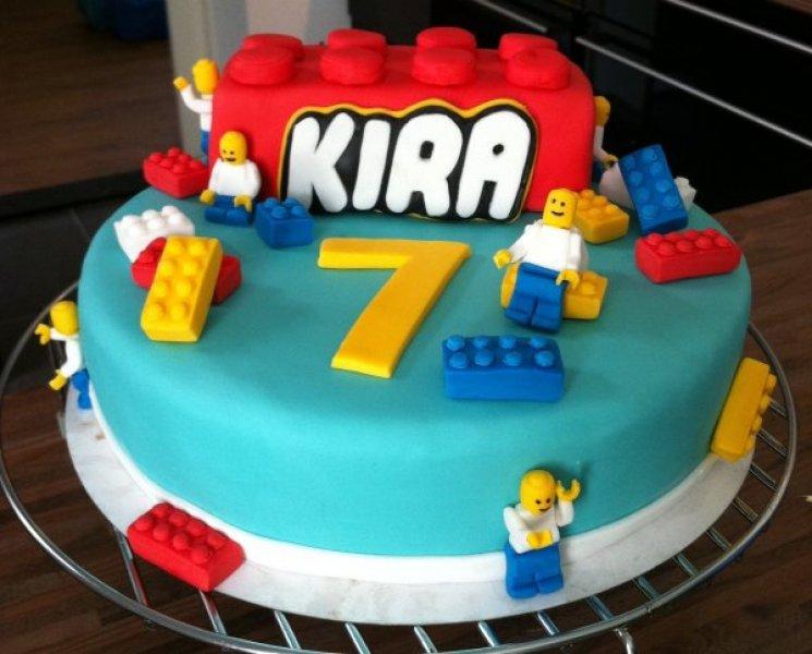 lego taart Een lego taart voor mijn nichtje. lego taart